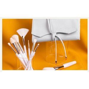 La Beaute Soi 10-Piece Makeup Brush Collection